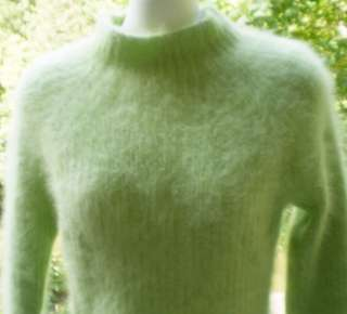 FLUFFY 80% ANGORA Green Ribbed SWEATER M SOFT