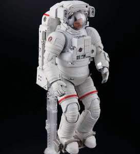 BANDAI Exploring Lab 1 10 ISS Space Suit Extravehicular Mobility Suit