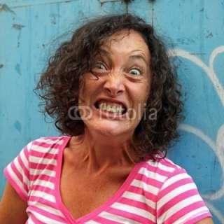 Jeune femme hystérique © ChantalS #17549304   See portfolio