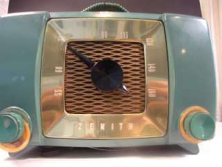 Vintage Tube Zenith Radio   Model # H615FZ1 with Handle   Blue/Green