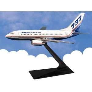 B737 600 Boeing Demo 1/200: Home & Kitchen