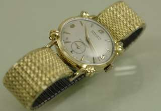 14k SOLID GOLD Gruen Automatic Bumper Watch, Excellent Cond, 17 Jewel