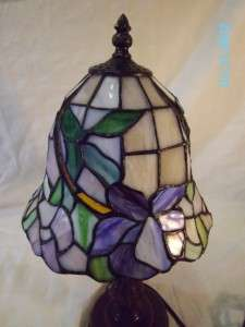 TIFFANY STYLE VINTAGE STAINED GLASS TABLE LAMP/LIGHT COLLECTIBLE ART
