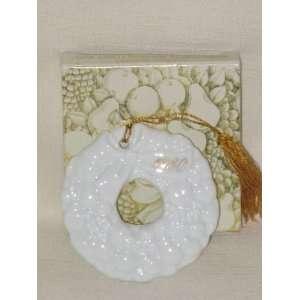 Avon White Porcelain  Christmas Remembrance Wreath  Tree Ornament