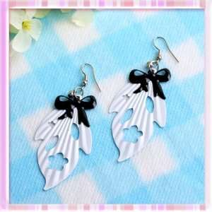New White Leaf&black Bow Tie with Rhinestone Earrings 1