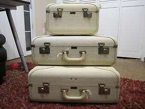 Travelaire Deluxe 3 piece Luggage Set with Train Case Friedberg