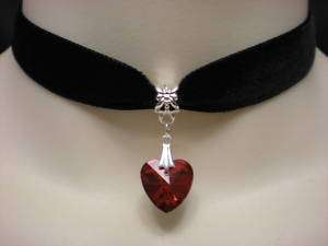 BLACK VELVET CHOKER/NECKLACE RED GLASS HEART PENDANT