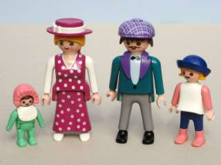Playmobil 5510 VICTORIAN FAMILY Baby Mother Father Girl