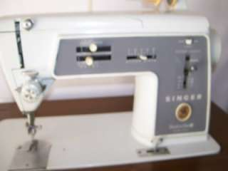Singer Sewing Machine Model 600 E with Cabinet