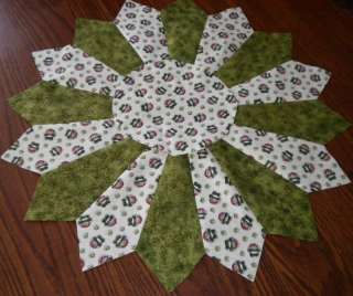 quilted st.patricks holiday table topper runner