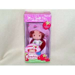 Strawberry Shortcake Mini Doll Pen with Display Stand