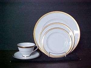 Royal Doulton China ROYAL GOLD ~ 5 PC. Place Setting