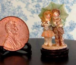 Tiny Boy& Girl~rain umbrella~Figure~Figurine~statue~Dollhouse scale