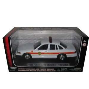Ford Crown Victoria Fire Chief Diecast Car Model 124 Toys & Games