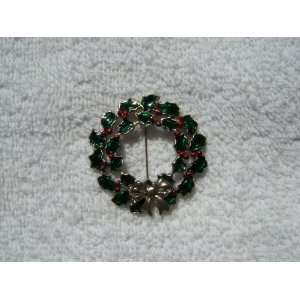 Christmas Wreath Pin (Silver Tone/Pewter)
