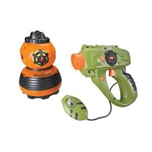 Laser Challenge Electronic Robo Attack: Orange: Toys & Games
