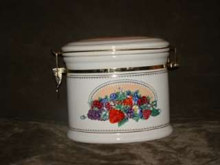 CANISTER CERAMIC KNOTTS BERRY FARM FOODS COOKIE JAR FRUITS