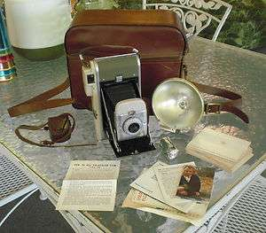 Vintage 1957 Instant POLAROID LAND CAMERA MODEL 80A Highlander w/BC